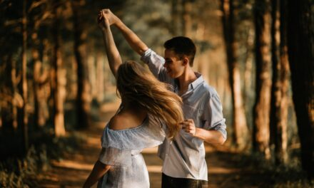 Platonic vs Romantic Relationships: Why You Need Both in Your Life